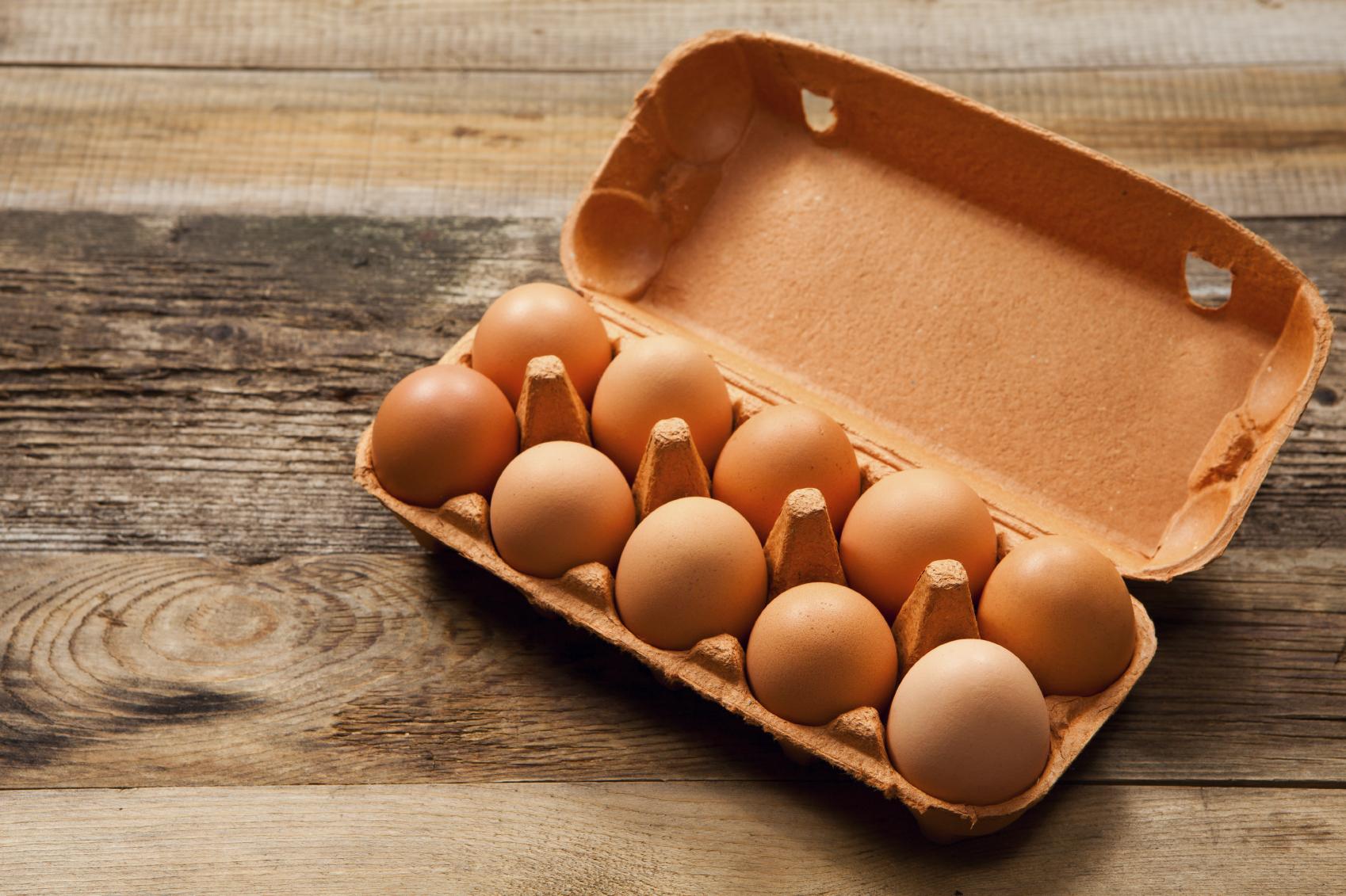 Huevos de $250 y $300 podrían desaparecer por paro de transportadores