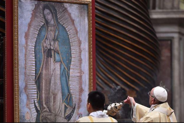 papa-francisco-y-la-virgen-de-gudalupe-en-el-vaticano
