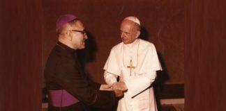 El Papa Pablo VI y Monseñor Oscar Romero en un encuentro memorable